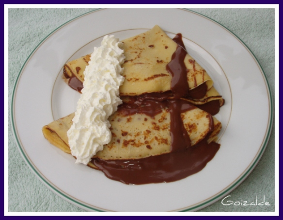 Crepes De Chocolate Con Nata Cocinando Con Goizalde